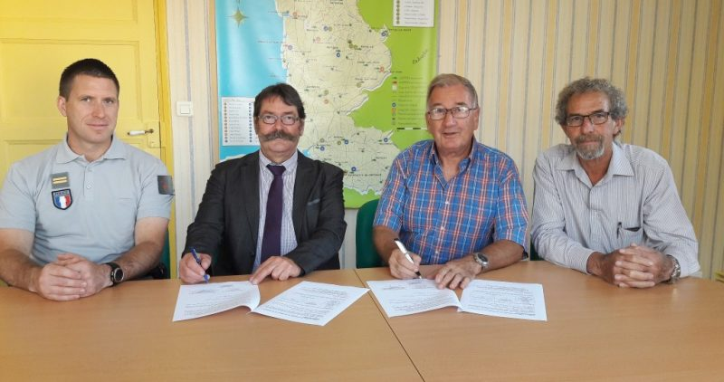L'ONCFS et la FDAAPPMA de la Manche, une convention vient d'être signée.